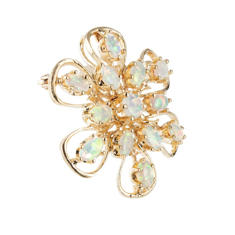 Oval Cut 1.55 Carat Opal Yellow Gold Brooch Pendant For Sale