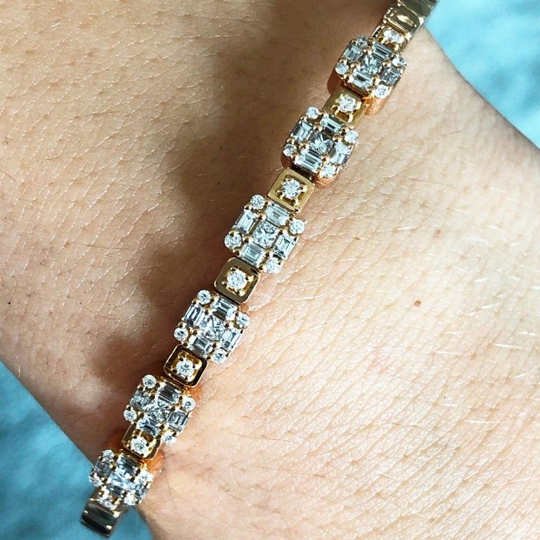 1.55 White Diamond 18 Karat Rose Gold Setting Contemporary Bangle Bracelet For Sale 6