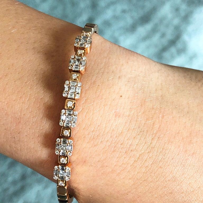 1.55 White Diamond 18 Karat Rose Gold Setting Contemporary Bangle Bracelet For Sale 7