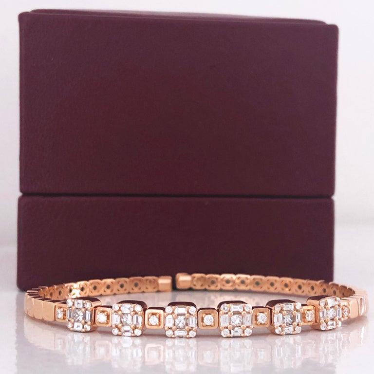1.55 White Diamond 18 Karat Rose Gold Setting Contemporary Bangle Bracelet For Sale 1