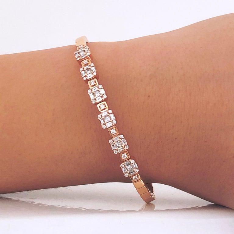 1.55 White Diamond 18 Karat Rose Gold Setting Contemporary Bangle Bracelet For Sale 4