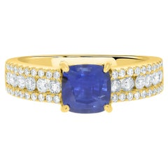 1.56Ct Sapphire Ring with 0.58Tct Diamonds Set in 14K Yellow Gold