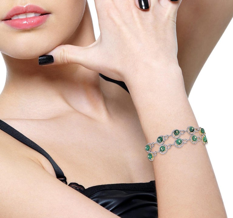 15.7 Carat Emerald Diamond Bangle Bracelet In New Condition For Sale In Hoffman Estate, IL