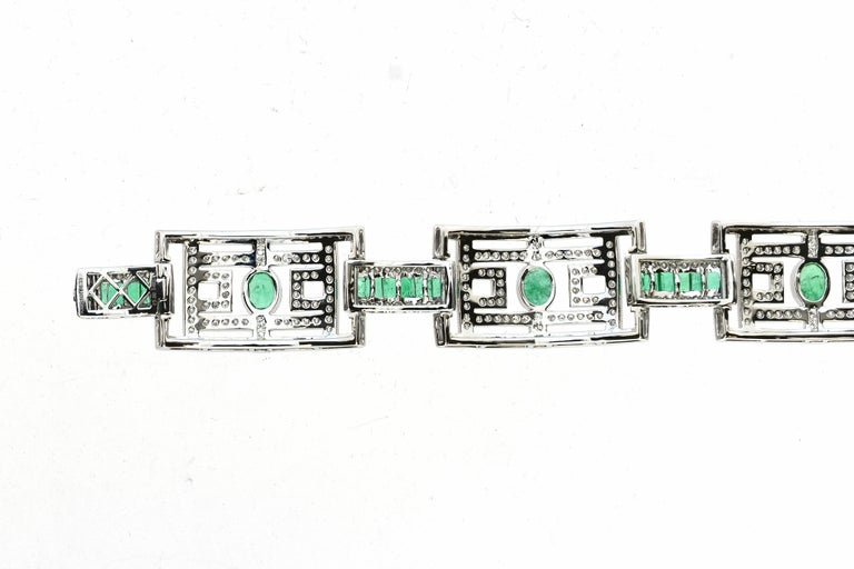 15.75 Carat Fashion Emerald and Diamond Bracelet In New Condition For Sale In New York, NY