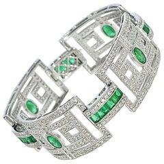 15.75 Carat Fashion Emerald and Diamond Bracelet