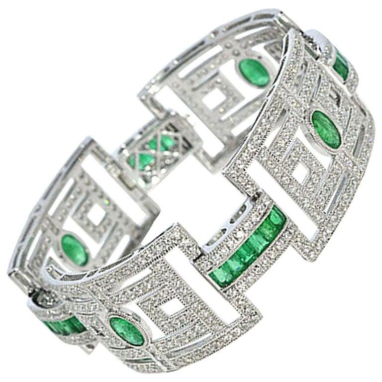 15.75 Carat Fashion Emerald and Diamond Bracelet For Sale