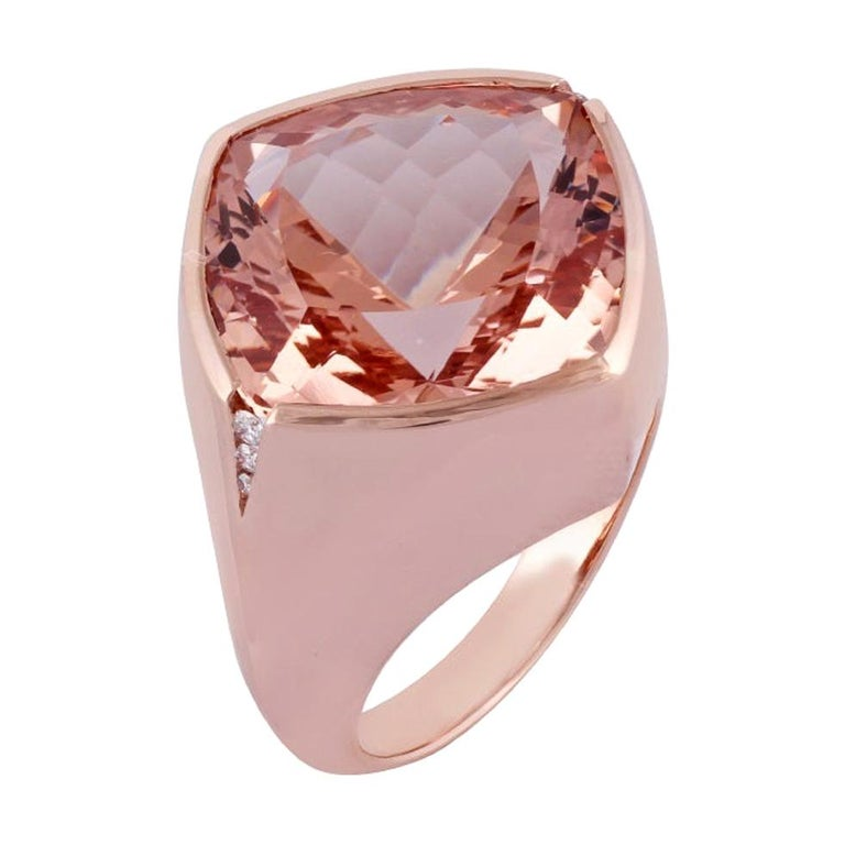 15.79 Carat Morganite and Diamond Ring Studded in 18 Karat Rose Gold For Sale