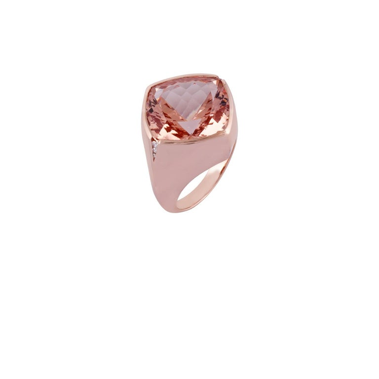 Cushion Cut 15.79 Carat Morganite and Diamond Ring Studded in 18 Karat Rose Gold For Sale