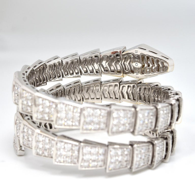 Women's or Men's 15.8 Carat Bvlgari Serpenti Full Diamond Paved White Gold Twirl Bracelet For Sale