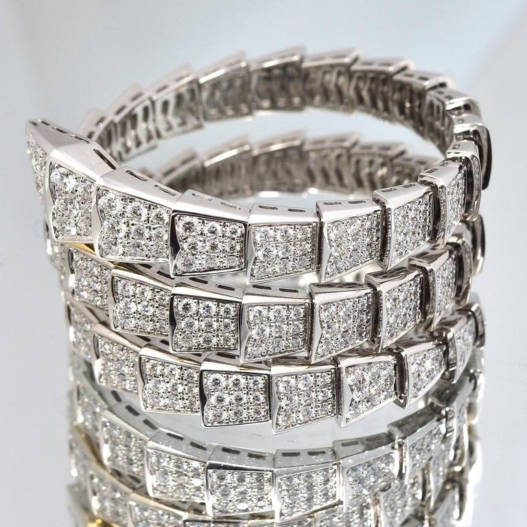 15.8 Carat Bvlgari Serpenti Full Diamond Paved White Gold Twirl Bracelet For Sale 2