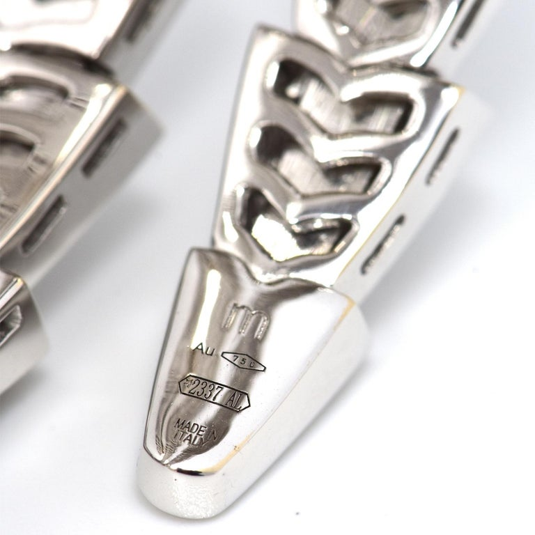 15.8 Carat Bvlgari Serpenti Full Diamond Paved White Gold Twirl Bracelet For Sale 3