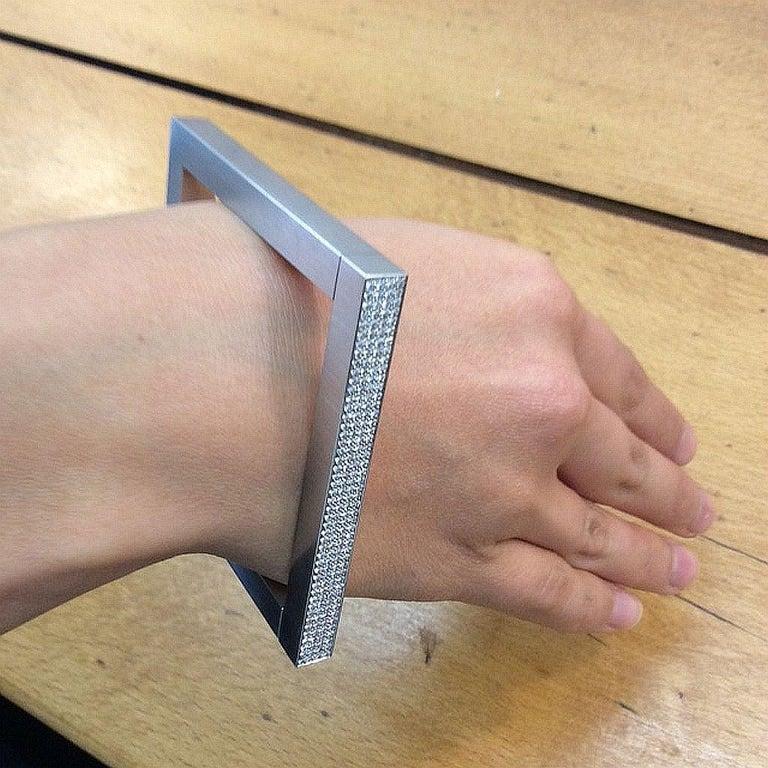 Henrich & Denzel 1.58 Carat Diamond Platinum Bangle Bracelet  For Sale 2