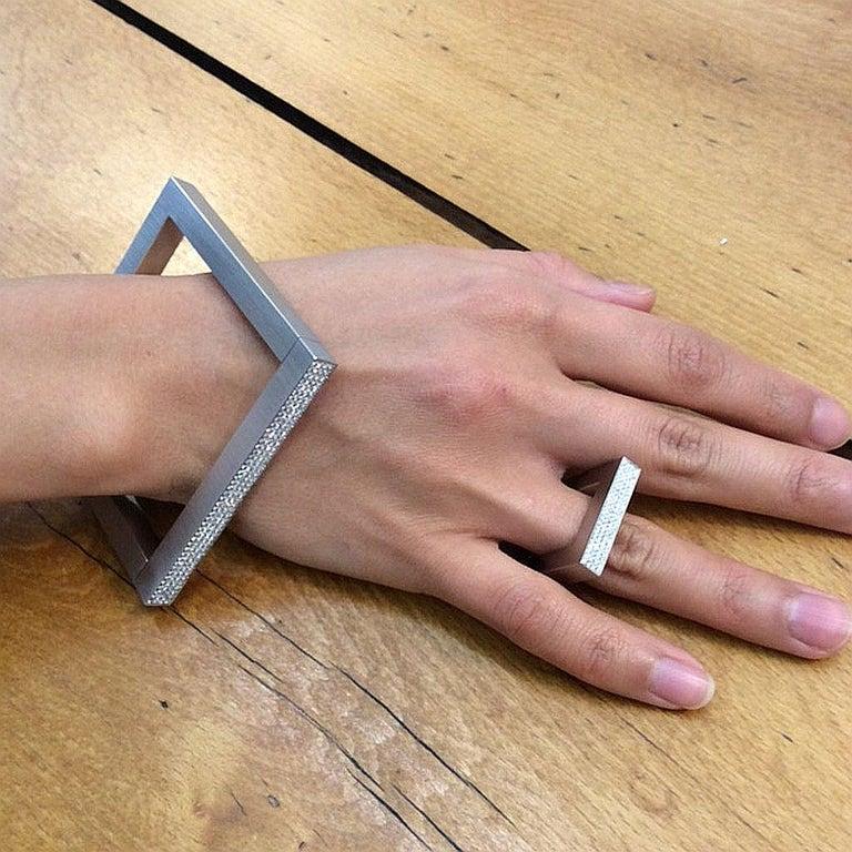 Henrich & Denzel 1.58 Carat Diamond Platinum Bangle Bracelet  For Sale 3