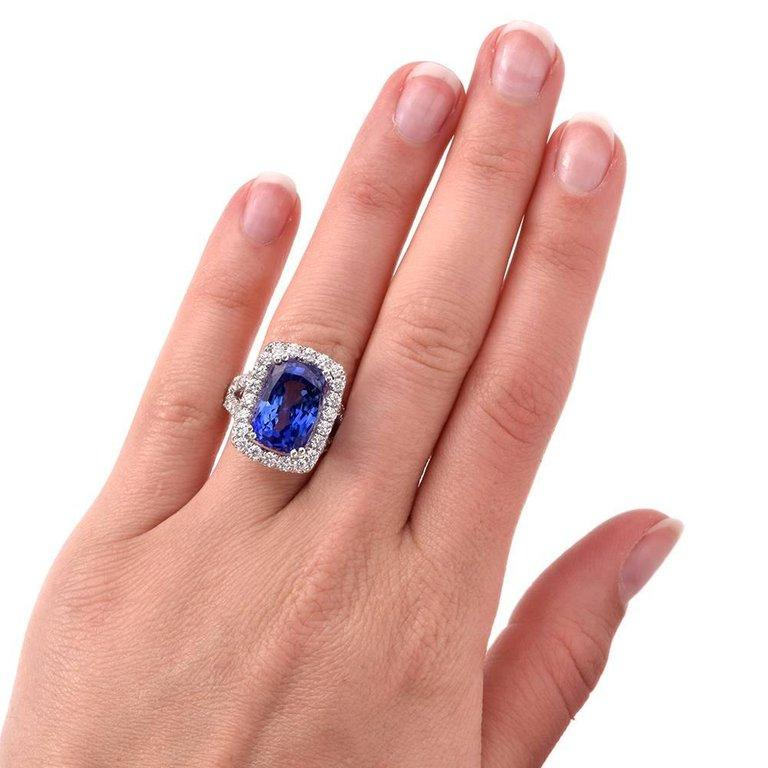 Women's or Men's 15.80 Carat Blue Sapphire Diamond Cocktail Ring For Sale