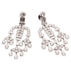 15.90 Carat White Brilliant-Cut and Baguette-Cut Diamond Chandelier Earrings