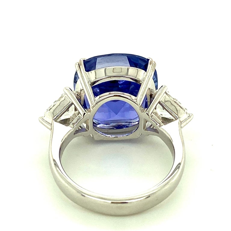 Contemporary 15.97 Carat GRS Certified No Heat Color Change Sapphire and Diamond Ring For Sale