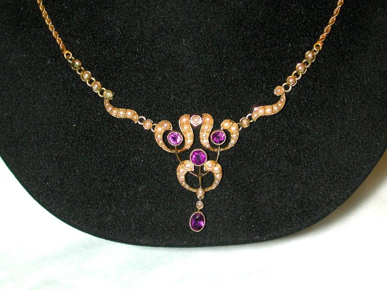 Belle Époque 15 Carat Gold Pendant Set with Half Pearls, and Amethysts, Integral Rope Chain For Sale