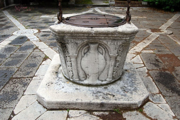 Renaissance Wellhead Hand Carved Marble Container Planter Basin Antiques Melrose For Sale 10