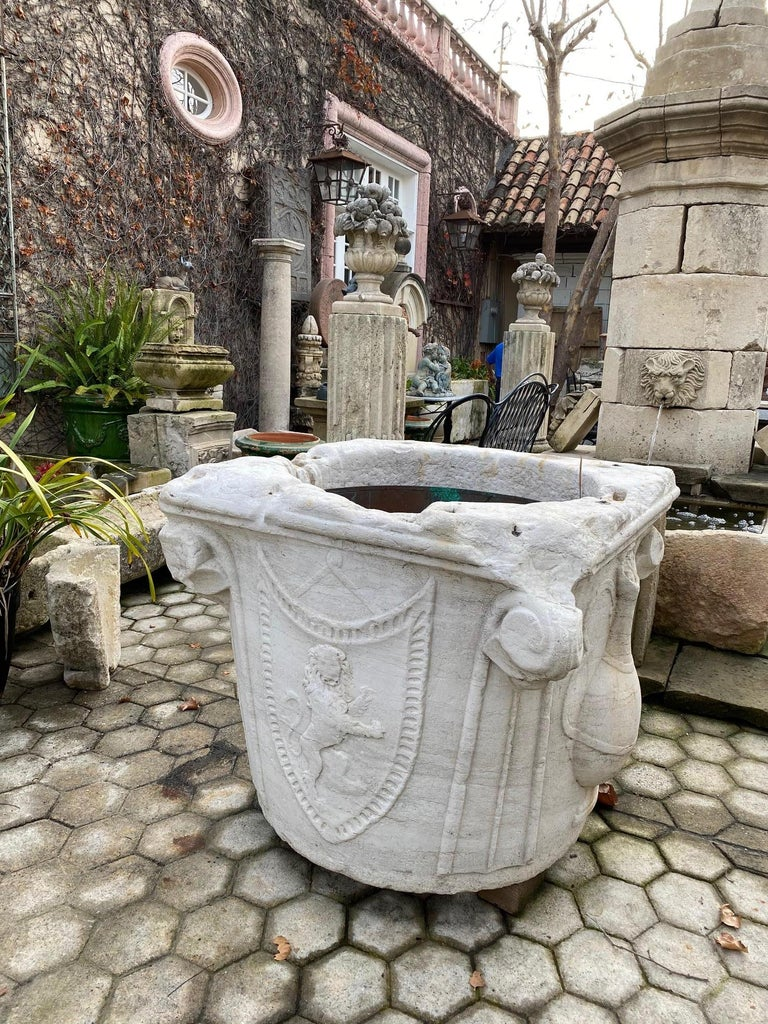 Renaissance Wellhead Hand Carved Marble Container Planter Basin Antiques Melrose In Good Condition For Sale In West Hollywood, CA