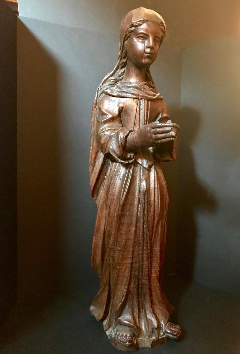 Hand-Carved 15th Century Rare English Oak Carved Sculpture of the Virgin, circa 1450 For Sale