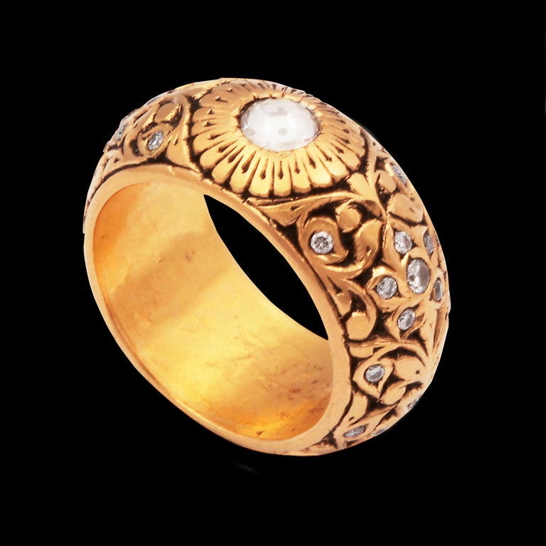15th Century Technique, 22kt GoldRing with Rose Cut Diamonds In New Condition For Sale In London, GB