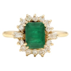 1.60 Carat Natural Emerald and Diamond 14 Karat Solid Yellow Gold Ring