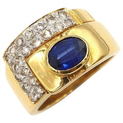 1.60 Carat Oval Sapphire and Diamond Pavé 18 Karat Yellow Gold Men's Band Ring