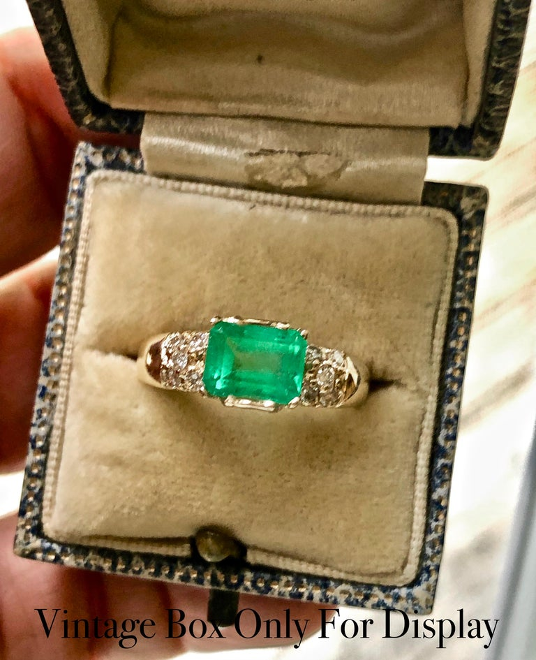 1.60 Carat Vintage Natural Emerald Ring Diamond Accents 14 Karat Yellow Gold For Sale 6