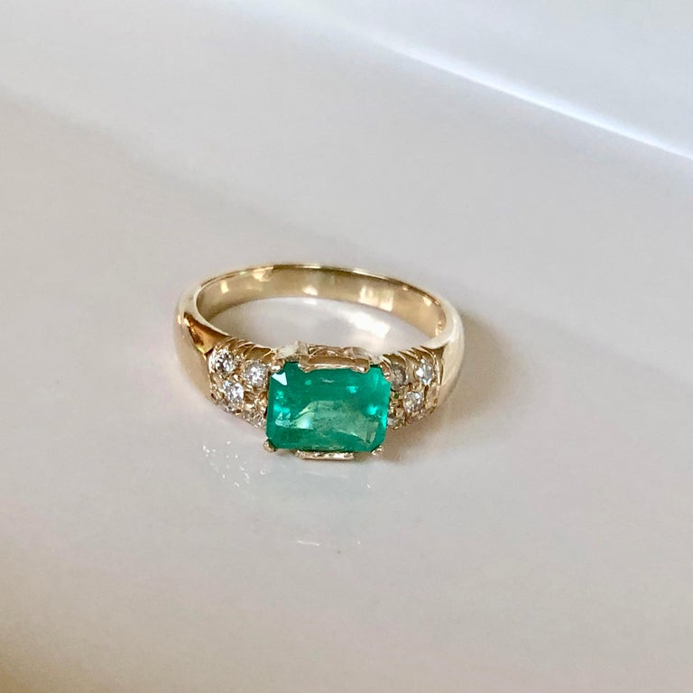 1.60 Carat Vintage Natural Emerald Ring Diamond Accents 14 Karat Yellow Gold For Sale 4