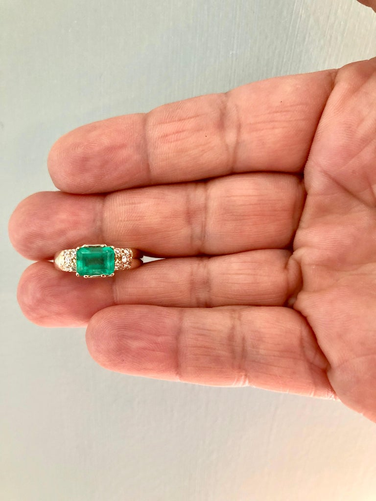 1.60 Carat Vintage Natural Emerald Ring Diamond Accents 14 Karat Yellow Gold For Sale 5