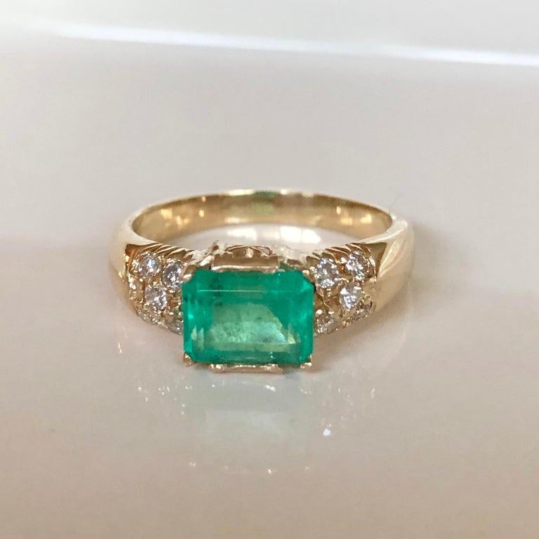 1.60 Carat Vintage Natural Emerald Ring Diamond Accents 14 Karat Yellow Gold For Sale 7