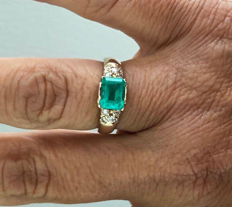 1.60 Carat Vintage Natural Emerald Ring Diamond Accents 14 Karat Yellow Gold For Sale 3