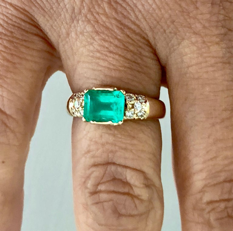 1.60 Carat Vintage Natural Emerald Ring Diamond Accents 14 Karat Yellow Gold In Good Condition For Sale In Brunswick, ME