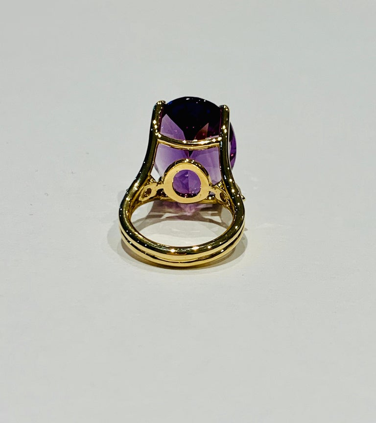 Oval Cut 16.00 Ct Oval Deep Purple Amethyst and Diamond Cocktail Ring in 18ct White Gold For Sale