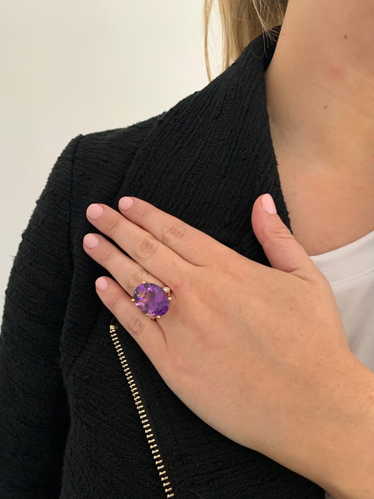 16.00 Ct Oval Deep Purple Amethyst and Diamond Cocktail Ring in 18ct White Gold For Sale 1