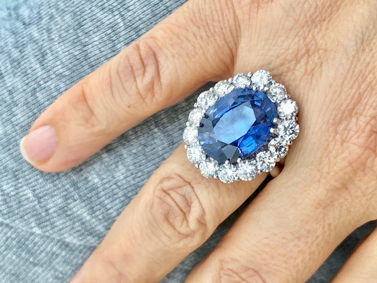Art Deco GIA 16.00 Carat Certified Natural Unheated Sapphire and Diamond White Gold Ring For Sale