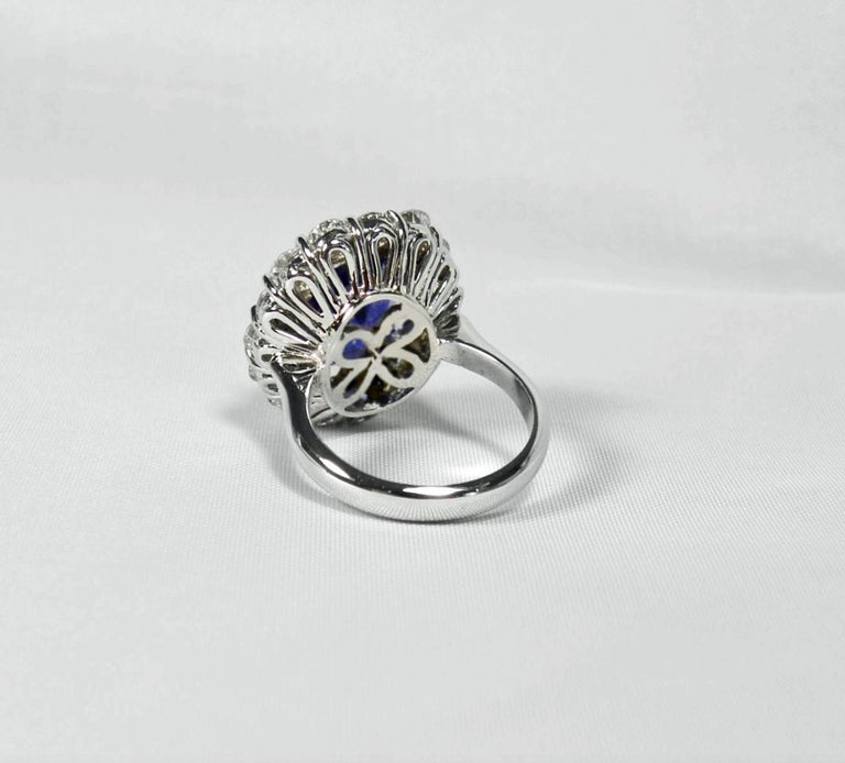 GIA 16.00 Carat Certified Natural Unheated Sapphire and Diamond White Gold Ring For Sale 3