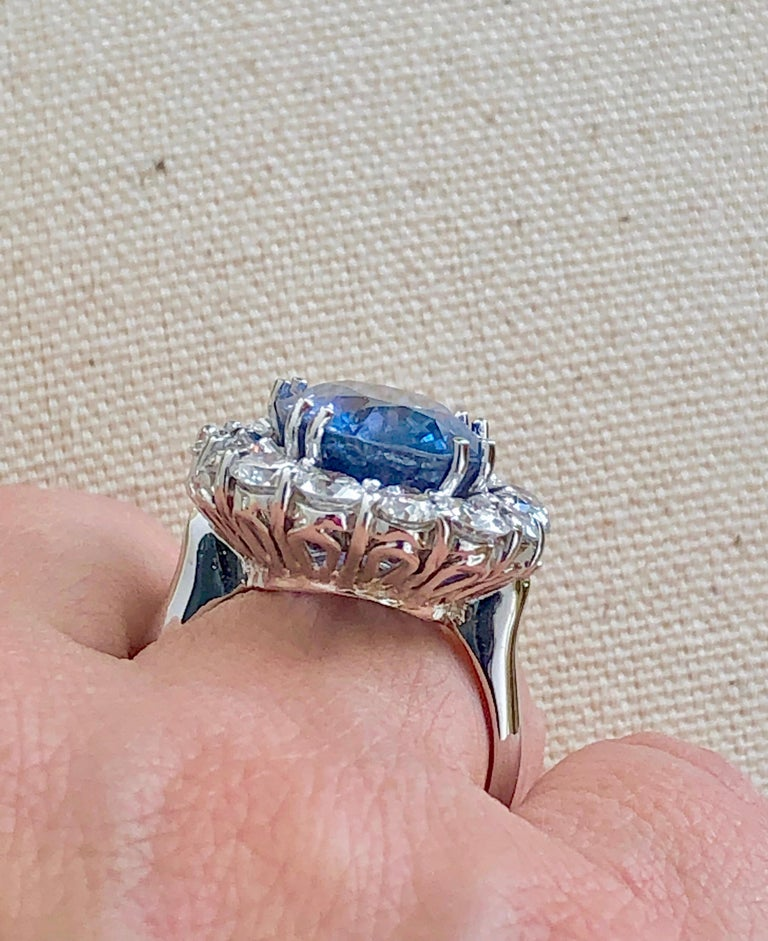 GIA 16.00 Carat Certified Natural Unheated Sapphire and Diamond White Gold Ring In New Condition For Sale In Brunswick, ME
