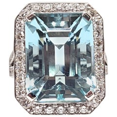 16.18 Carat 18 Karat White Gold Diamond Aquamarine Ring
