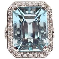 16.18 Carat 18 Karat White Gold Diamond Aquamarine Ring