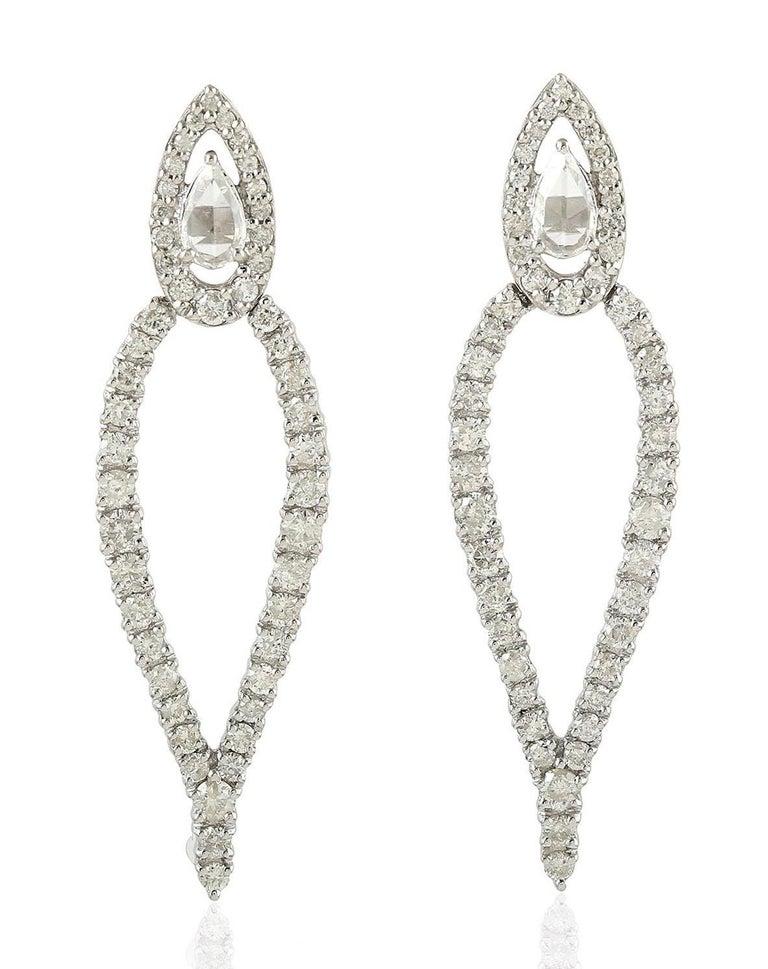 Brilliant Cut 1.62 Carat Diamond 18 Karat Gold Earrings For Sale
