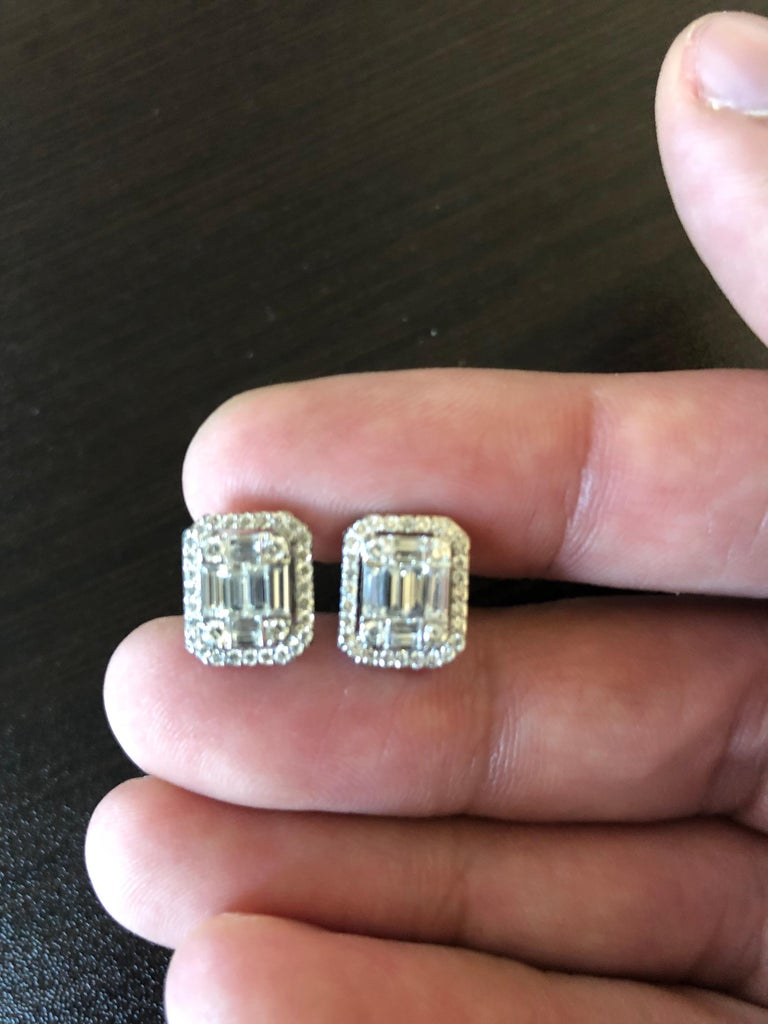 1.62 Carat Emerald Cut Earrings with Halo In New Condition For Sale In Great Neck, NY