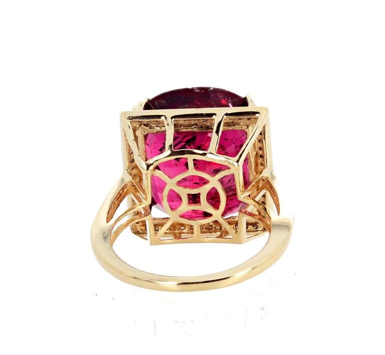 16.21 Carat Red Glittering Tourmaline and Diamond 14 Karat Yellow Gold Ring In New Condition For Sale In Tuxedo Park , NY