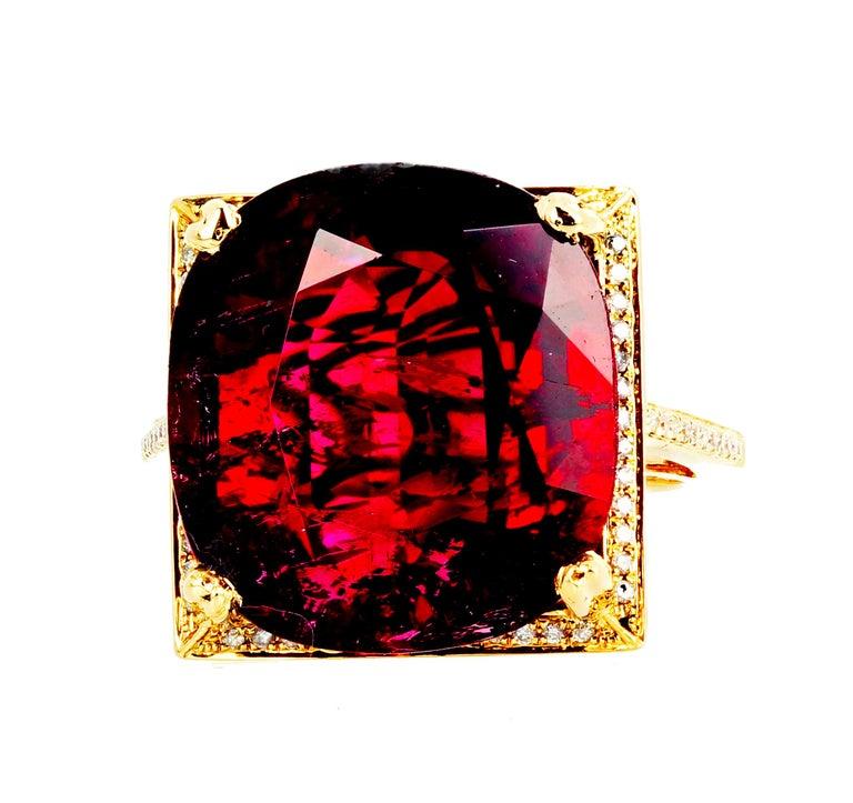 16.21 Carat Red Glittering Tourmaline and Diamond 14 Karat Yellow Gold Ring For Sale 3