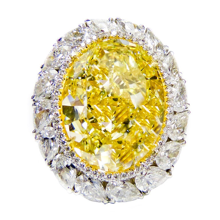 16.30 Fancy Intense Yellow Diamond Ring In New Condition For Sale In New York, NY