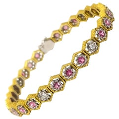 1.64 Carat Mahenge Spinel and 0.29 Carat Diamond 18 Karat Bracelet Made in Italy