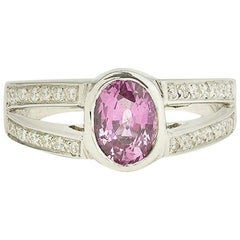 1.65 Carat Oval Pink Sapphire Diamonds 18 Karat White Gold Ring