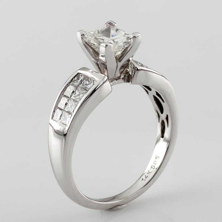1.65 Carat Princess Cut Diamond 14 Karat White Gold Ring IGI Certified In Excellent Condition For Sale In Sherman Oaks, CA
