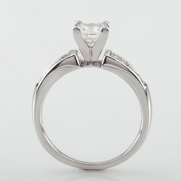 Women's 1.65 Carat Princess Cut Diamond 14 Karat White Gold Ring IGI Certified For Sale