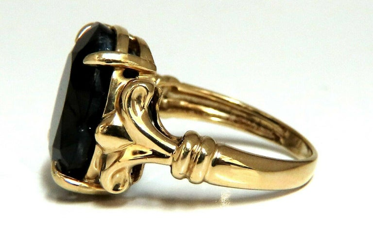 16.50 Carat Natural Black Sapphire Ring 14 Karat Spanish Gilt In New Condition For Sale In New York, NY